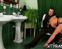 Sexy babe gets wet crack dildoded